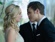 """""""TVD trailer: primo sguardo matrimonio Stefan Caroline"""