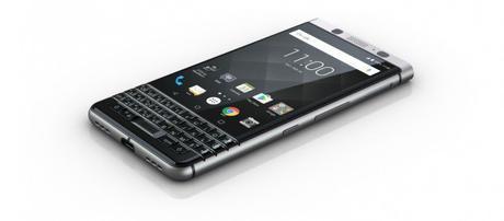 BlackBerry KEYone ufficiale, Android con tastiera fisica. Da aprile e 599€