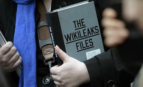 """Wikileaks: """"La CIA spia può spiare smartphone, computer e televisioni"""""""