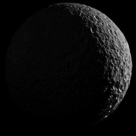 Il saluto di Cassini a Mimas