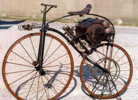 148 anni fa l'invenzione della motocicletta