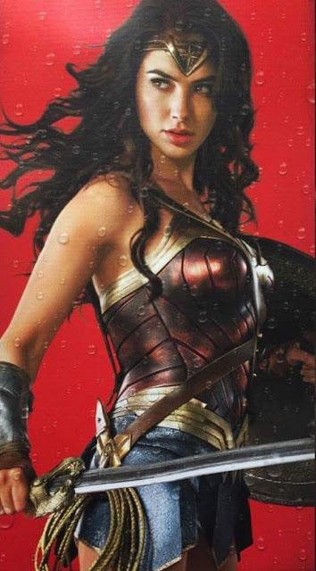 Wonder Woman: ecco le immagini di Gal Gadot che compariranno sulle lattine Dr. Pepper!