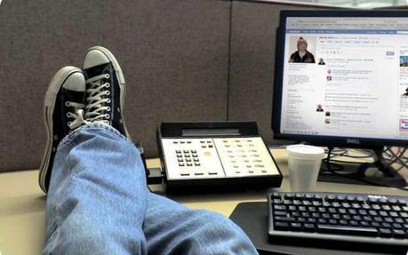 """Internet in ufficio: come combattere i """"Lavativi 2.0"""""""