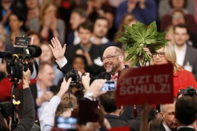 I socialdemocratici tedeschi confermano Schulz come loro leader
