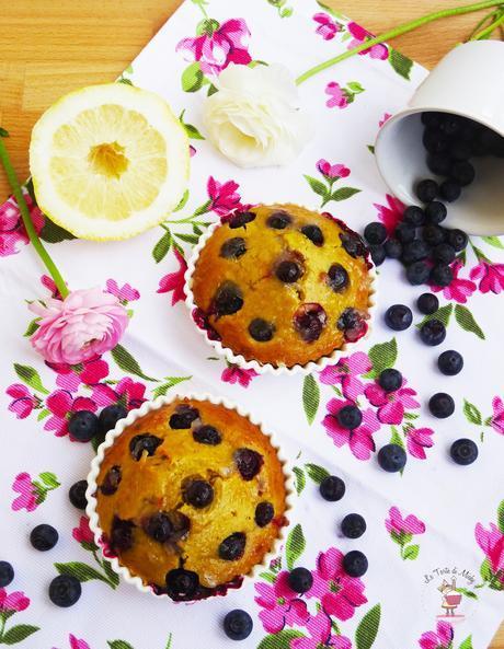 Tortine alle mandorle, limone e mirtilli
