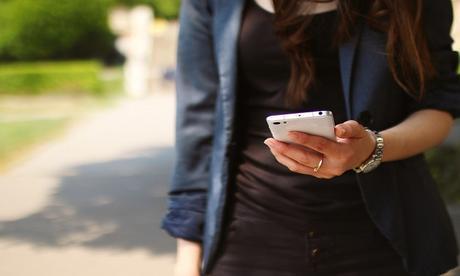 Dipendenza da Smartphone, 7 italiani su 10