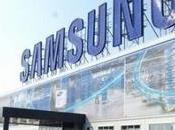 Samsung lavoro display OLED curvo tutti lati