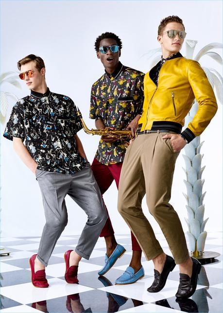 Kit Butler, Adonis Bosso, e Nathaniel Visser Don divertenti stampe da collezione primavera-estate di Dolce & Gabbana 2017.
