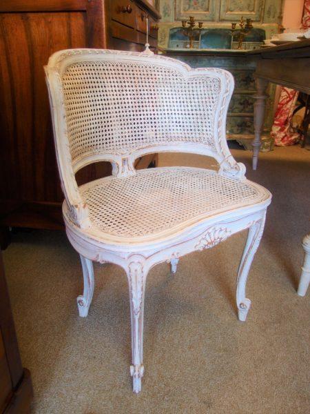 I mobili antichi francesi laccati e patinati cos freschi for Mobili antichi francesi