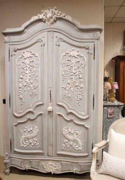 I mobili antichi francesi laccati e patinati cos freschi - Mobili antichi francesi ...