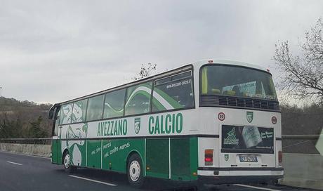 L'immagine può contenere: autobus, cielo e spazio all'aperto