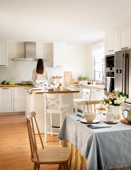 cocina blanca con office