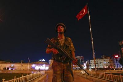 In Turchia arrestati 85 funzionari nella repressione post-golpe