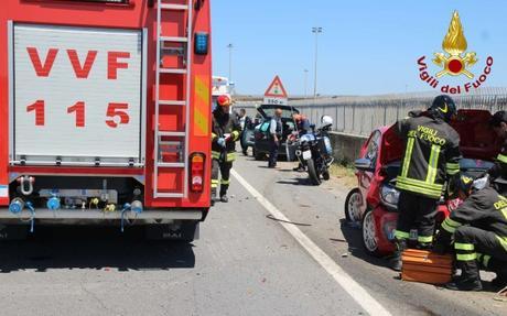 Crotone, incidente stradale sulla 106 al bivio per Papaniciaro