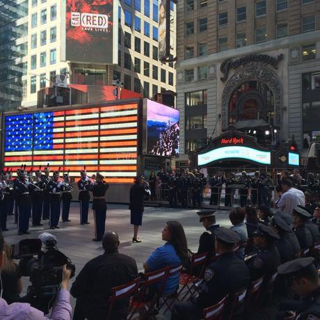 Manifestazione commemorativa Time Square