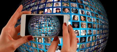 Trova amici locali in viaggio: 8 portali e App per conoscere residenti