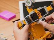 bambino sognavi anche giocare robot?