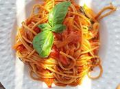 Spaghetti integrali sugo pomodorini, cipolla Tropea basilico