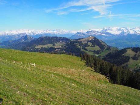 Da lucerna al monte pilatus emozioni ad alta quota for Vista sulla valle cabine colline hocking