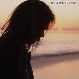 """NEIL YOUNG   Uscirà il 14 luglio """"Hitchhiker"""", album di brani acustici registrati… nel 1976"""