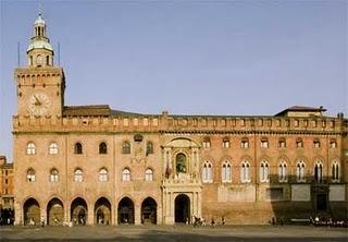 Bologna, candidati a confronto