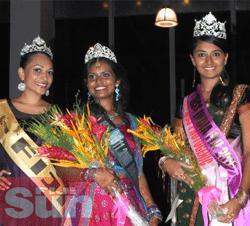 Le tre finaliste del concorso Miss India Fiji 2011