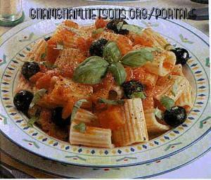 Paccheri con zucca e olive