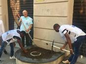 FOTO. Integrazione Napoli: migranti cittadini curano aiuole piazza Filippo