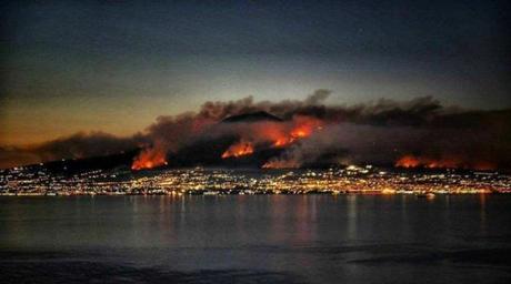 Fuoco e cenere, ma il Vesuvio non è il colpevole