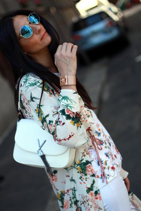 Kimono in a white and flowers outfit