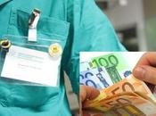 Trova 1500 euro ospedale restituisce: gesto esemplare infermiere