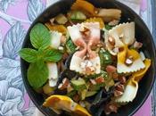 Pasta zucchine, mandorle curry