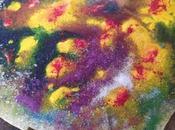 Esperimenti: mischiare materiali (colla, pigmenti, sabbia colorata, tinture)