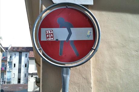 divieto accesso modificato murale
