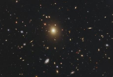 Galassie oscillanti scoperte da Hubble