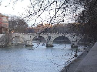 I quattro ponti di Roma in un tempo che non c'è più