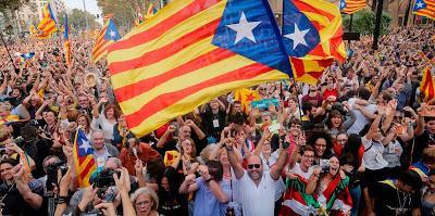 Il Parlamento catalano ha dichiarato l'indipendenza