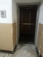 PAVIA. Da oltre un mese è guasto l'ascensore per i disabili al Palazzo Mezzabarba.