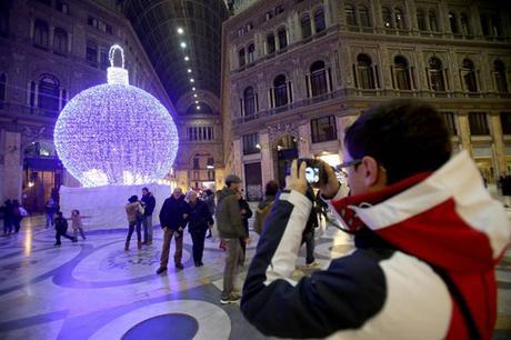 """Napoli non ha soldi per Natale, de Magistris chiede aiuto: """"Colpa del Governo"""""""