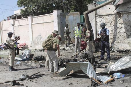 Risultati immagini per attentato mogadiscio oggi