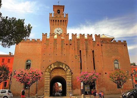 L'antico castello – Dante Primo Turista fra Emilia e Romagna
