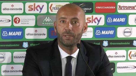 """Bucchi: """"Abbiamo messo in difficoltà la squadra più forte d'Europa. Mertens? sa fare tutto"""""""