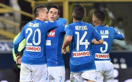 Il Napoli cala il tris e difende la vetta della classifica. I VIDEO DEI GOL