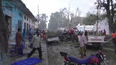 Somalia: due autobombe a Mogadiscio, almeno 17 morti