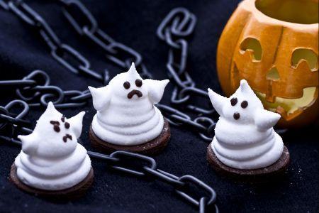 Dolci di Halloween: come preparare i fantasmini di marshmallow