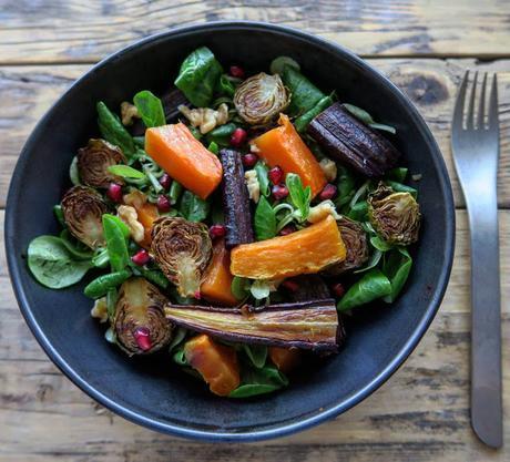 Insalata autunnale di verdure arrostite al miele