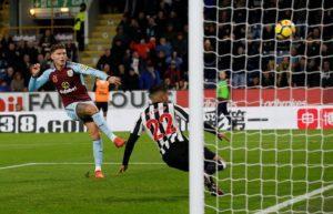 Premier League: il City passeggia sul WBA; Martial stende il Tottenham!