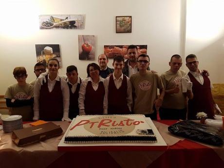 """Apre """"PTRistò"""": la prima pizzeria nel vesuviano gestita da ragazzi disabili"""