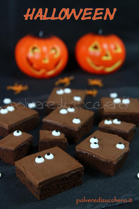 halloween cake chocolate torta cioccolato a quadrotti spooky  eyes cake design polvere di zucchero