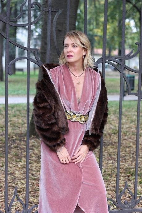 Vestiti in velluto: i capi che non posso mancare nel nostro guardaroba 5